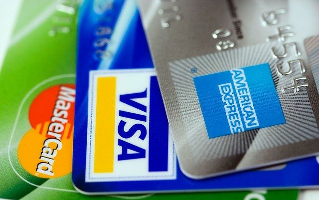 rbi-bans-american-express-diners-club-from-on-boarding-new-customers-from-1-may