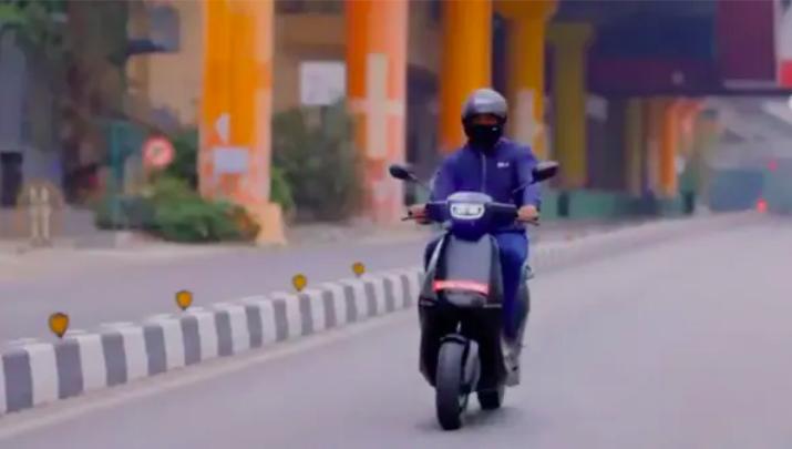 ola-ceo-bhavish-aggarwal-test-ride-electric-scooter-in-bengaluru