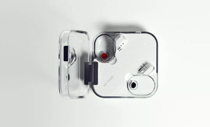 Nothing ear (1) transparent charging case